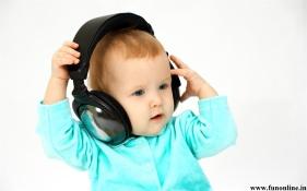 baby-funny-wallpapers-17 headphones
